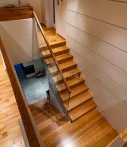 Betonowe schody – trwałość i praktyka